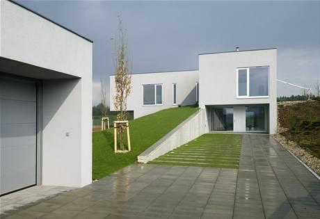 Vila na kopci, Dolní Dobrouč