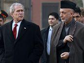 George Bush a Hamíd Karzáí v Kábulu
