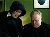Z filmu Pochyby - Meryl Streepová a Philip Seymour Hoffman