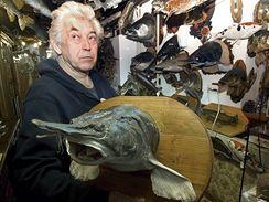 Patrně největší soukromá sbírka v Evropě, kterou tvoří kolem 600 vypreparovaných exemplářů ryb, zdobí vstupní halu domku naproti Mlýnskému náhonu ve Vodňanech