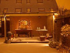 Decentní venkovní osvětlení a sníh, to je ideální kombinace