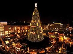 Vánoční strom v německém Dortmundu