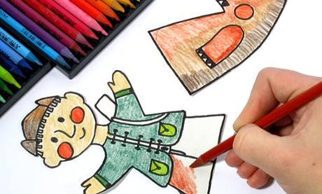 Větší děti si zvládnou postavičky předkreslit černým fixem samy