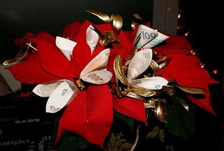 Peníze ve váno�ní hv�zd�