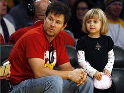 LA Lakers - Boston; herec Mark Wahlberg
