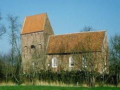 Šikmá věž románského kostela v německém Suurhusenu