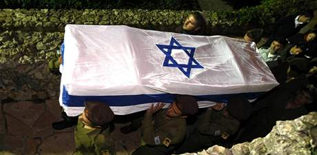 Pohřeb izraelského vojáka, který zemřel při pozemní operaci v pásmu Gazy (4. ledna 2009)
