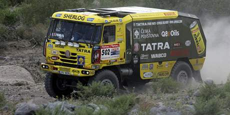 Kamion Tatra Aleše Lopraise v plném tempu na trati 5. etapy Rallye Dakar