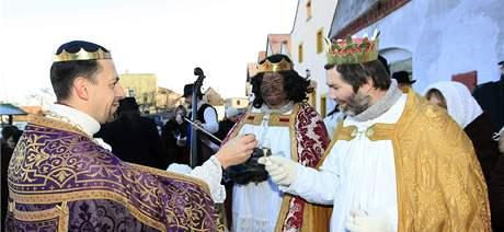 Tři králové zavítali do vinných sklepů v Novém Šaldorfu