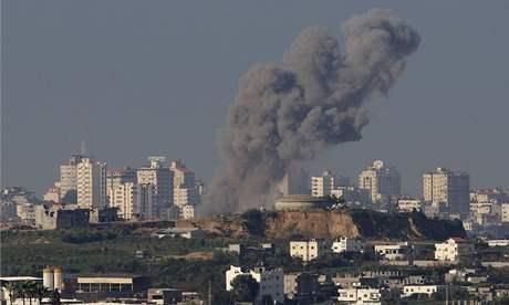 Pásmo gazy po náletech izraelských stíhaček (02. leden 2009)