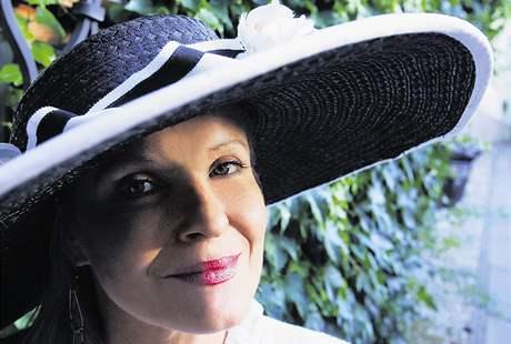 Chantal Poullain bude zpívat šansony