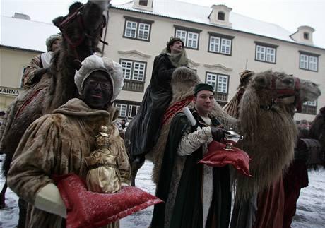 Centrem Prahy prošel tříkrálový průvod s velbloudy (5. ledna 2008)