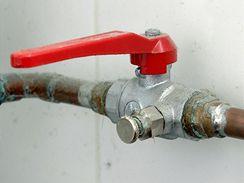 Všechny ventily směřující do exteriéru by měly být vybaveny odvzdušňovacím ventilem