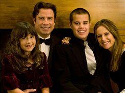 John Travolta s manželkou a dětmi