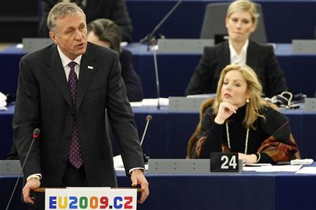 Mirek Topolánek při projevu v Evropském parlamentu ve Štrasburku (14. ledna 2009)