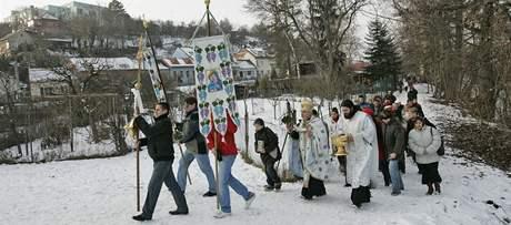 Členové pravoslavné církve si připomněli svátek Zjevení Páně u řeky Svratky v Bystrci