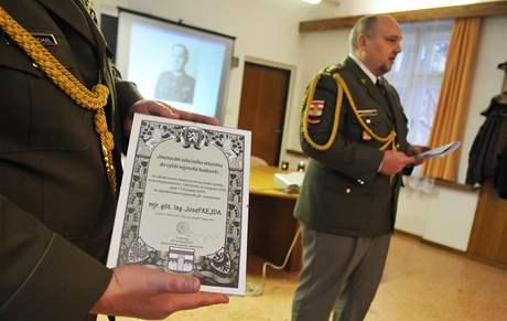 Josef Kejda byl slavnostně povýšen do hodnosti plukovníka in-memoriam