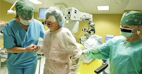 Operace šedého zákalu na klinice NeoVize v Brně