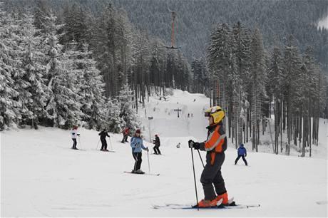 Sjezdovky a snowpark v části Jih lyžařského areálu Bílá v Beskydech
