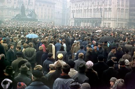 Manifestace na Staroměstském náměstí v den Palachova pohřbu (25. ledna 1969)