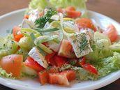 salát s Hermelínem