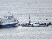 Do řeky Hudson se zřítil dopravní airbus