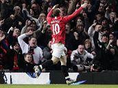 Wayne Rooney z Manchesteru United slaví gól