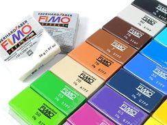 Bohatá barevná škála polymerové modelovací hmoty Fimo.