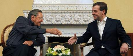 Dmitrij Medveděv a Raúl Castro (29. ledna 2009)