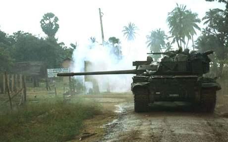 Vojenská ofenziva proti Tygrům osvobození tamilského Ílámu poblíž města Mulleittívu.