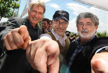Herec Harrison Ford, re�is�r Steven Spielberg a producent George Lucas