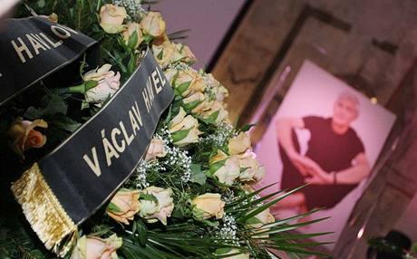 Pohřeb Jana Kaplického - věnec od Václava Havla