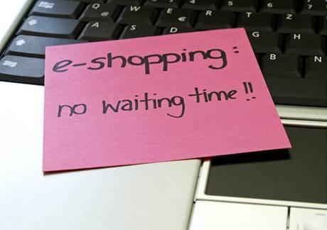 Jednou z výhod e-shoppingu je to, že nečekáte ve frontě