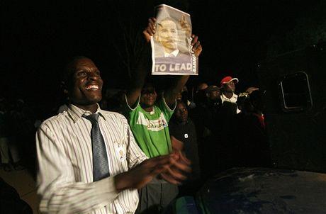 Keňaně slaví inauguraci Baracka Obamy ve vesnici Kogelo, kde se narodil otec nového amerického prezidenta