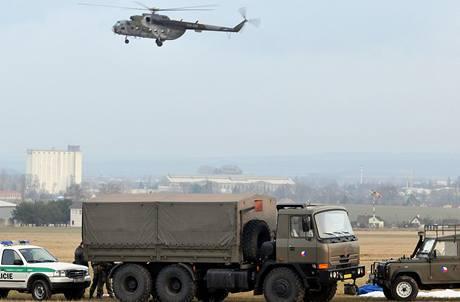 Vojenskému výsadkáři se ve výšce 700 metrů neotevřel padák.