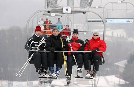 Prezident Václav Klaus lyžoval na Monínci. (26. ledna 2009)