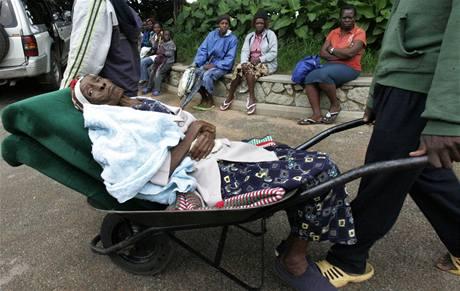 cholerou se v Zimbabwe každý den nakazí až tisícovka lidí.