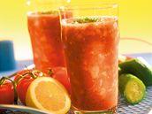 Zeleninový nápoj s rajčaty a pažitkou