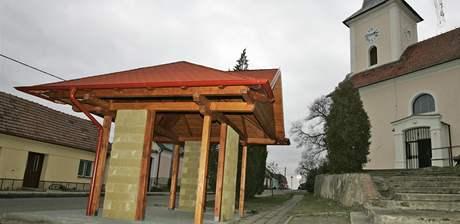 Autobusová zastávka v Přibicích