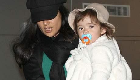 Salma Hayeková s dcerou