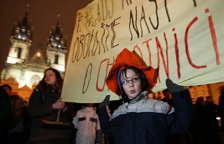 Demonstrace na podporu Kaplického knihovny se zú�astnily na dva tisíce lidí. (5. února 2009)