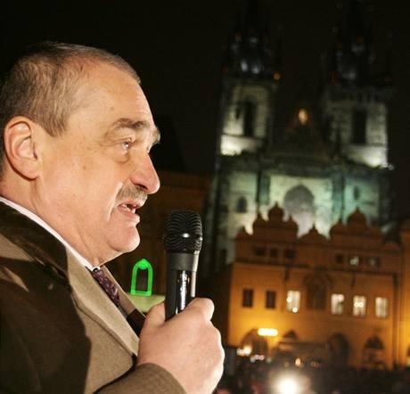 Podle Karla Schwarzenberga je Praha kr�sn�, ale nen� to konzerva. (5. �nora 2009)
