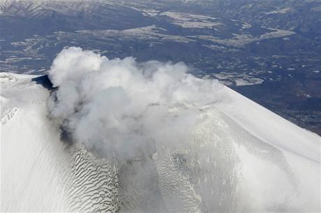 Japonská sopka Asama.