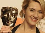 BAFTA 2009 - herečka Kate Winsletová s cenou za film Předčítač