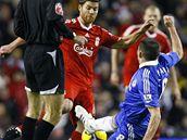 Liverpool - Chelsea: Alonso (v červeném) a Lampard (vpravo)