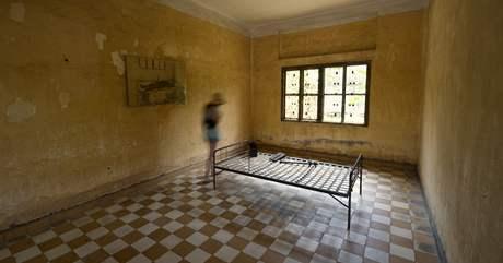 Cela určená k mučení ve vězení Tuol Sleng. Rudí Khmérové zde mučili tisíce vězňů.