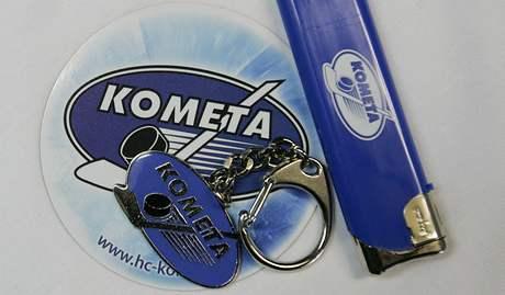 Kometa jde do play off. Reklamní předměty s logem klubu