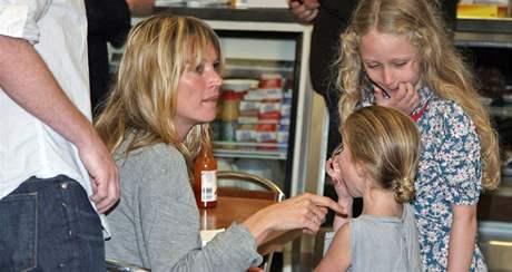 Kate Mossová s dcerou Lily Grace
