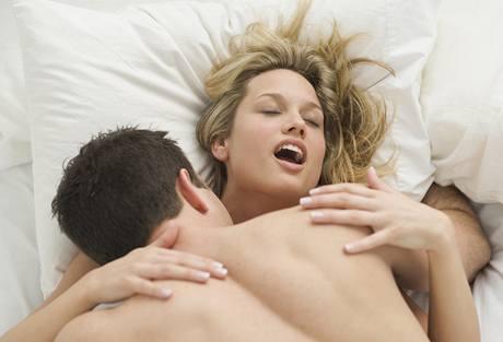 Čím více času věnujete předehře, tím bouřlivější orgasmus ji čeká
