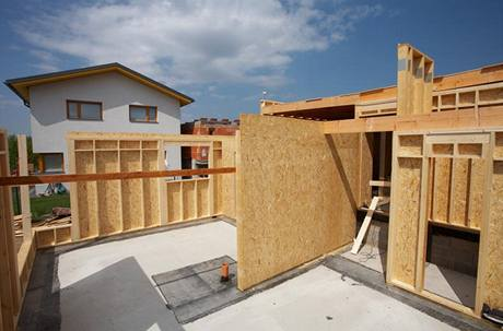 Montovaná dřevostavba roste velmi rychle